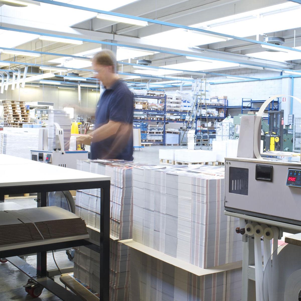 employees-working-print